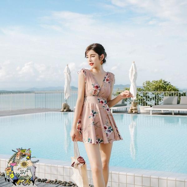 ワンピース水着 体型カバー スカート水着 お腹カバー 隠しワイヤー バストアップ 水着 レディース 可愛い ブラクロスVネック 桃色 ピンクベージュ xsw10093-1